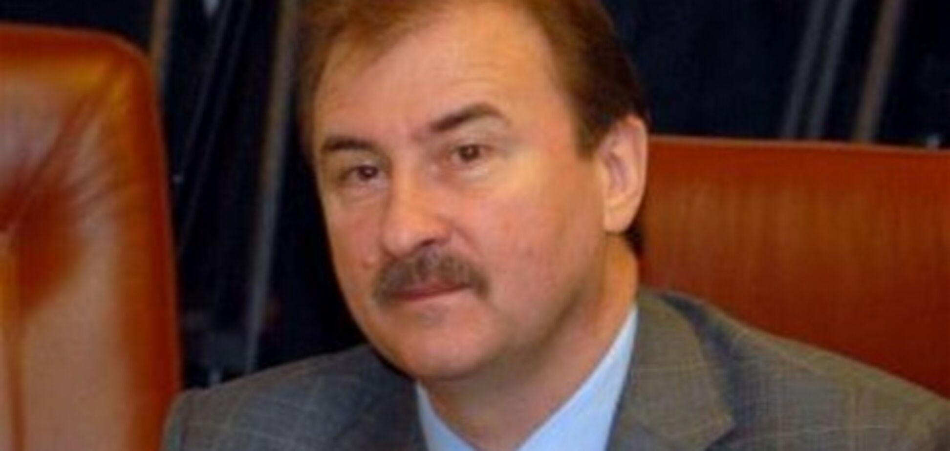 Попов показав дитячі фото і розповів про КДБ