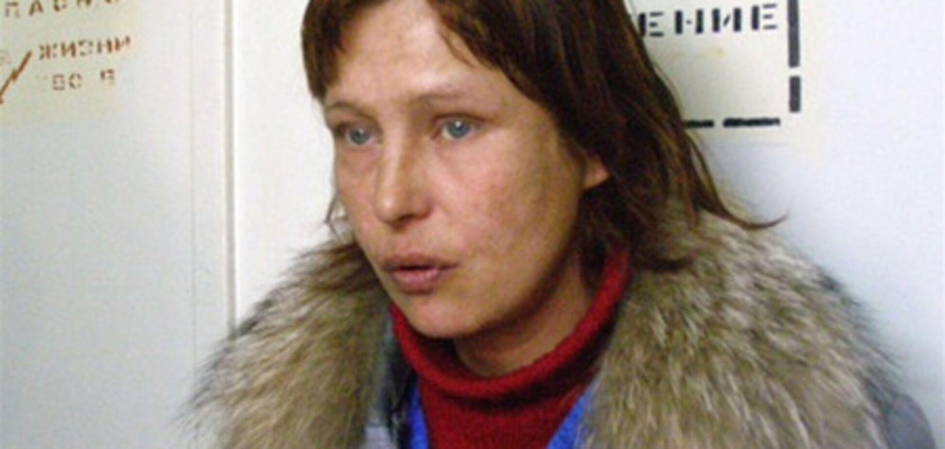Мама Оксаны Макар призналась, что переводит деньги на депозит