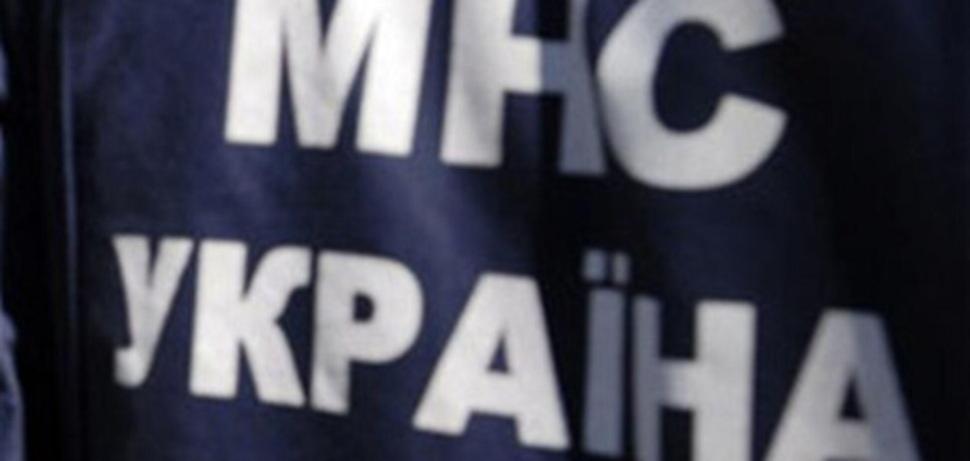 Бійці МНС врятували хлопчика, який застряг в конструкції Каховської ГЕС
