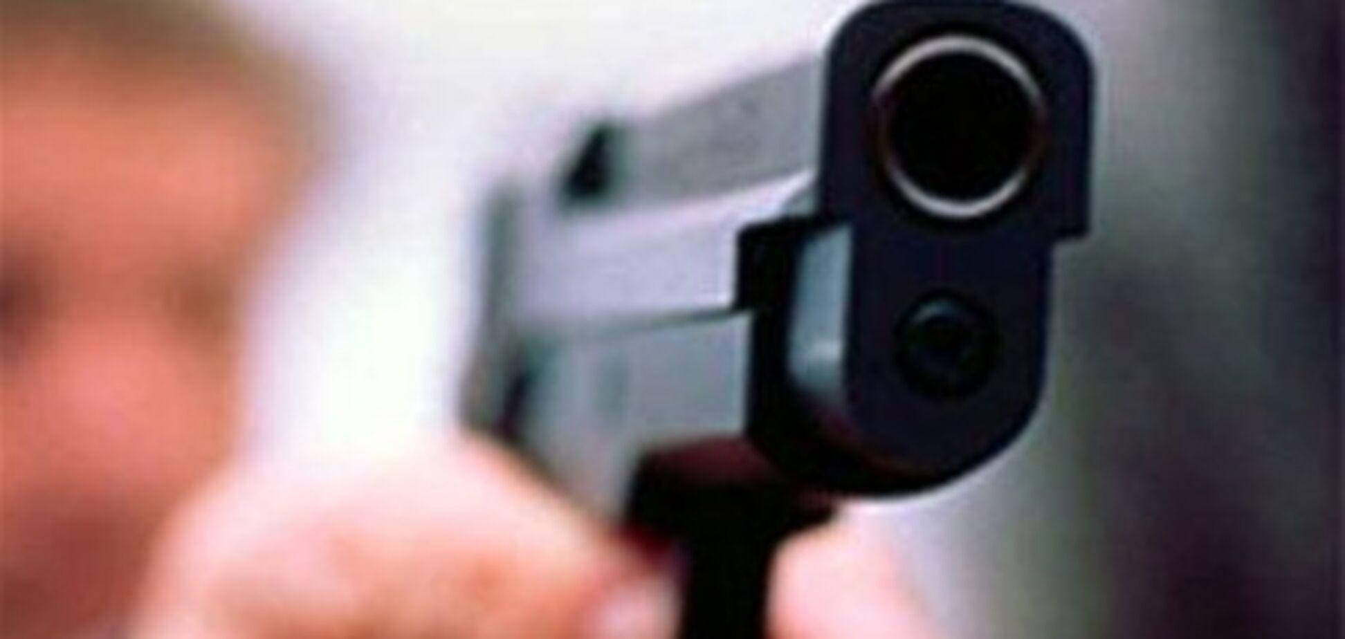 Возле магазина на Харьковщине застрелили покупателя