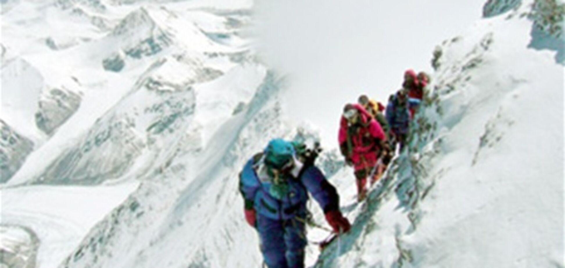 Украинские альпинисты попросили помощи у МЧС России