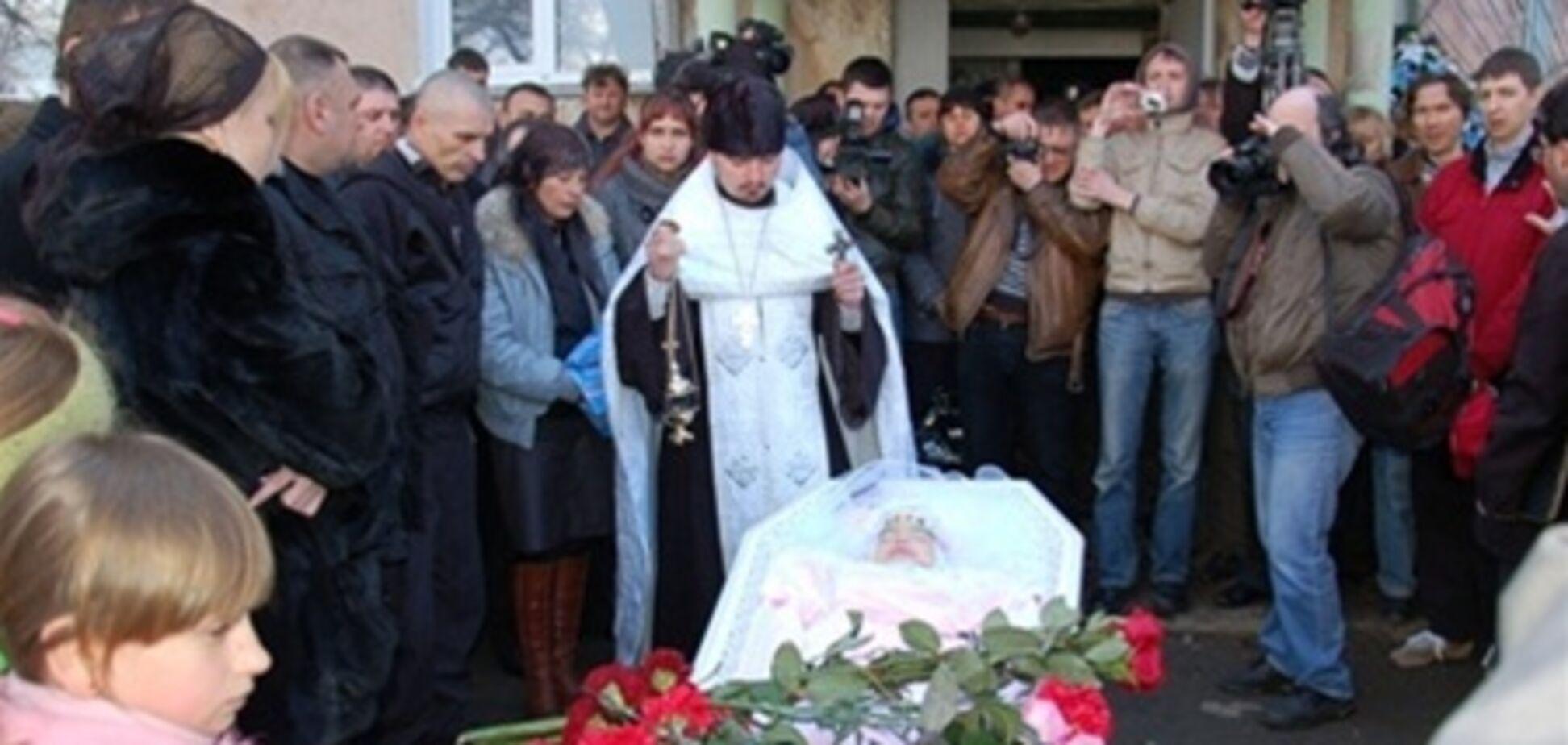 Жители села Луч возмущены, что Макар похоронили рядом с героями ВОВ