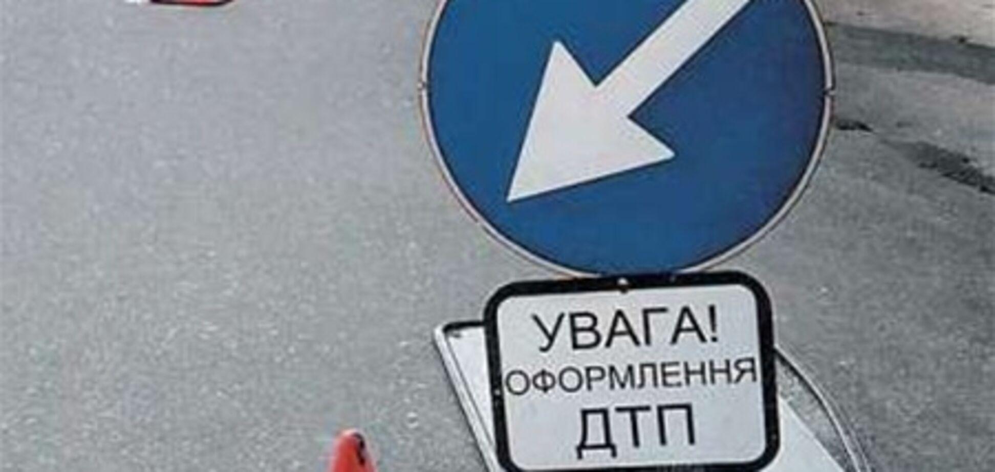 В Одессе помощница судьи протаранила две машины на своем Hyundai