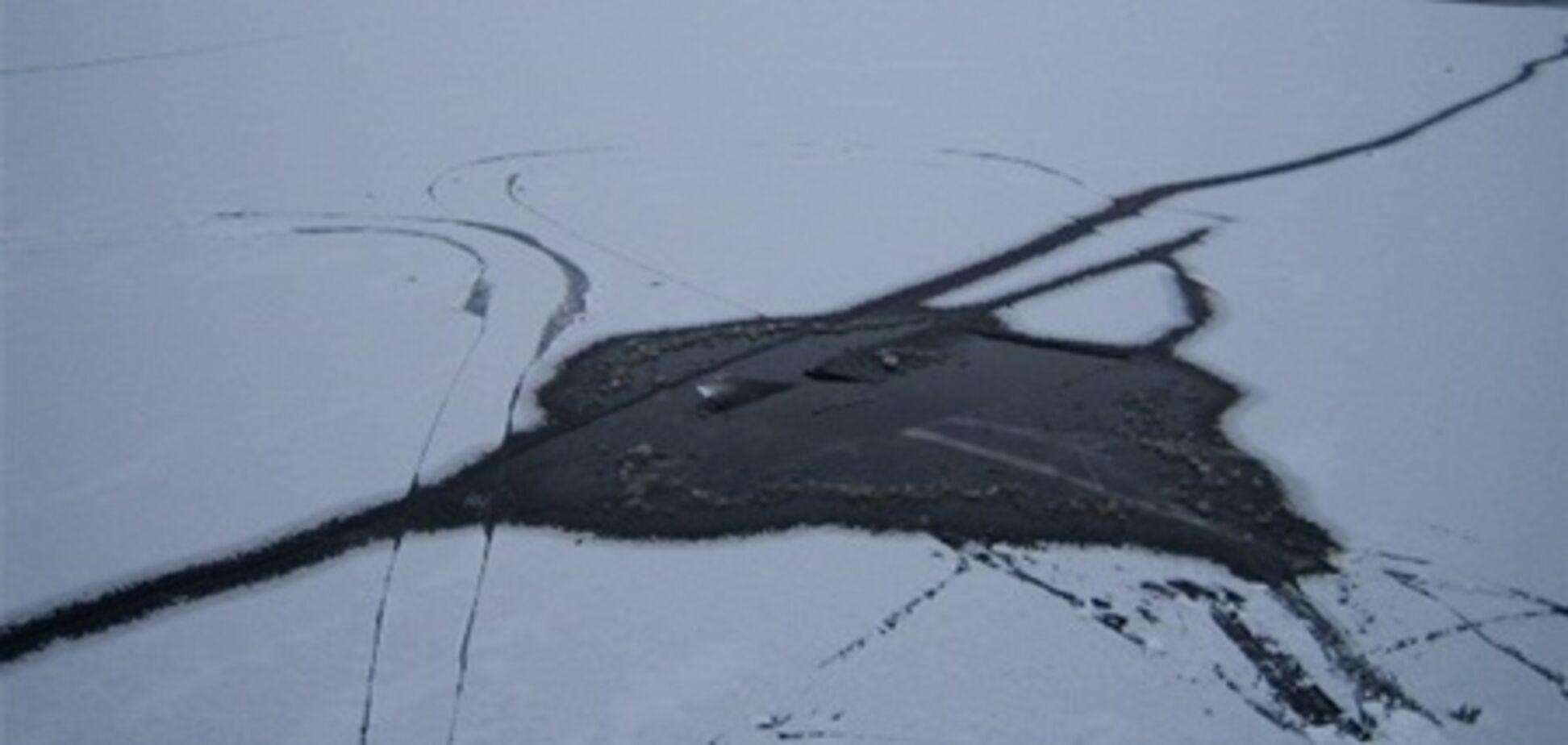 В Донецке на пруду два ребенка провалились под лед