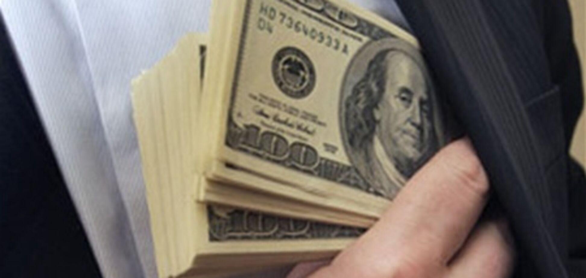 В Киеве чиновник попался на взятке $300