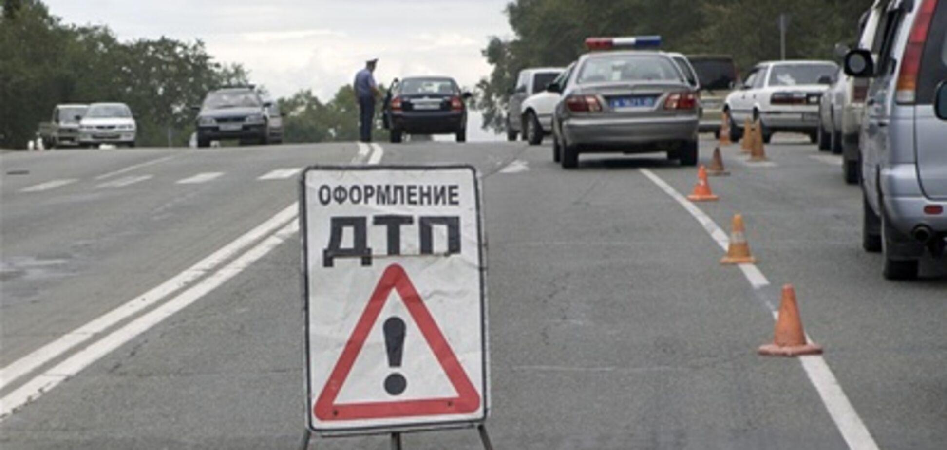 Шесть машин попали в ДТП в Москве, пострадали три человека