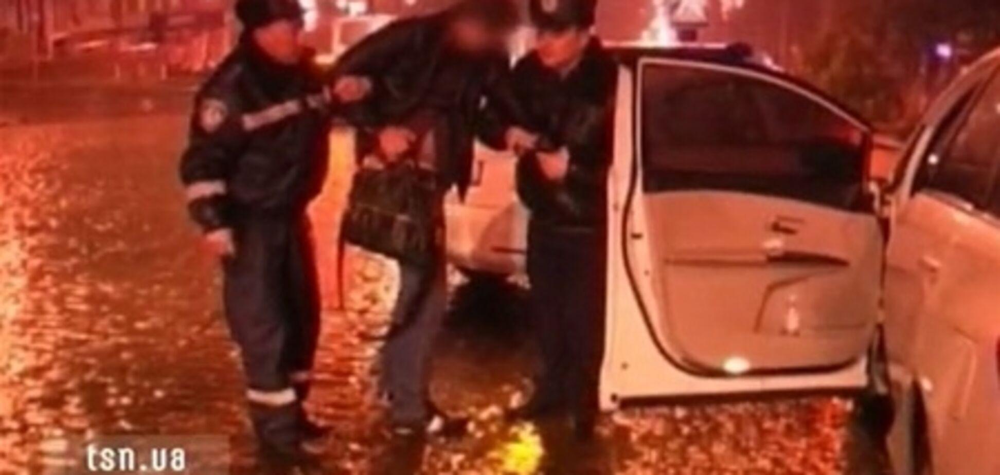 В Донецке гаишники еле догнали пьяного мажора на VIP-авто. Видео