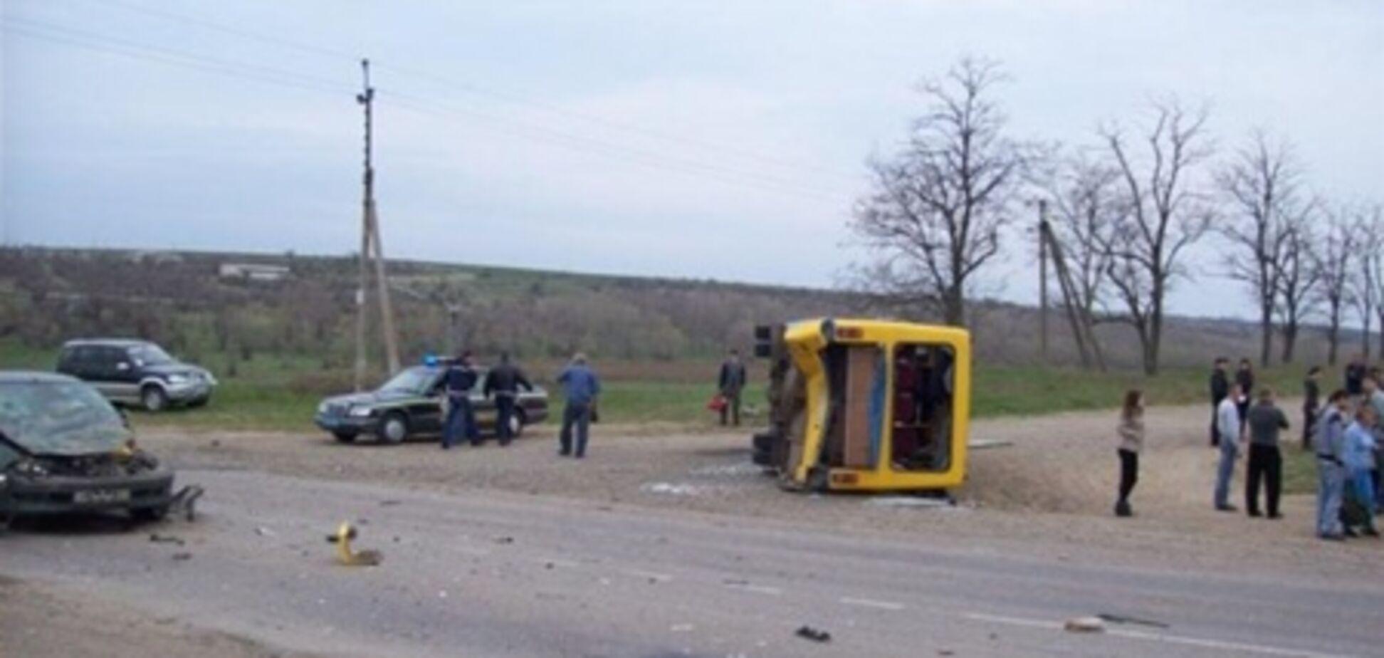 Під Одесою перекинувся автобус з пасажирами