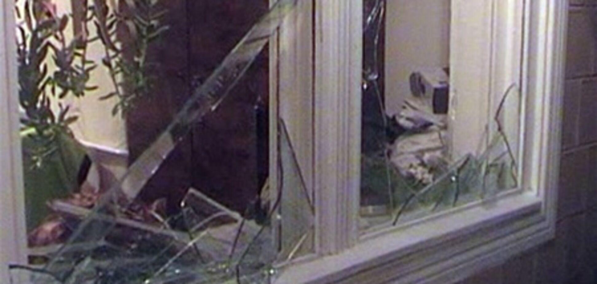 Охоронне агентство заперечує те, що в офіс ПР закинули 'коктейль Молотова'