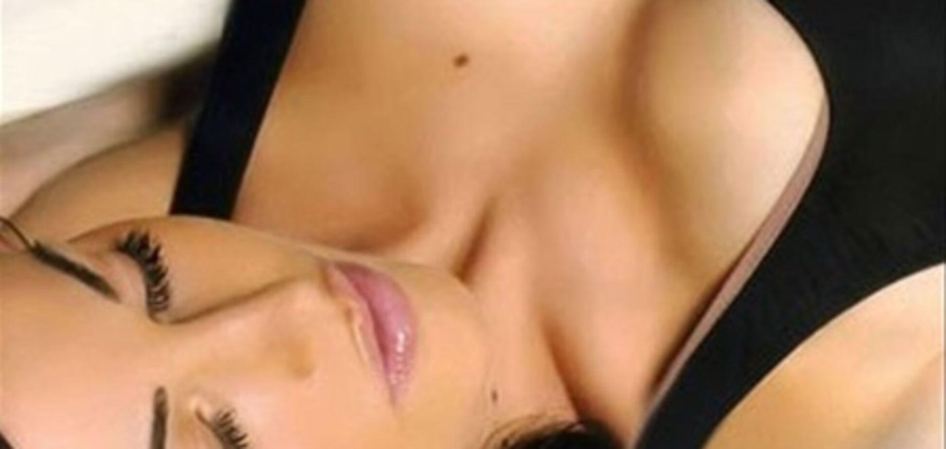 Какая женская грудь нравится мужчинам?