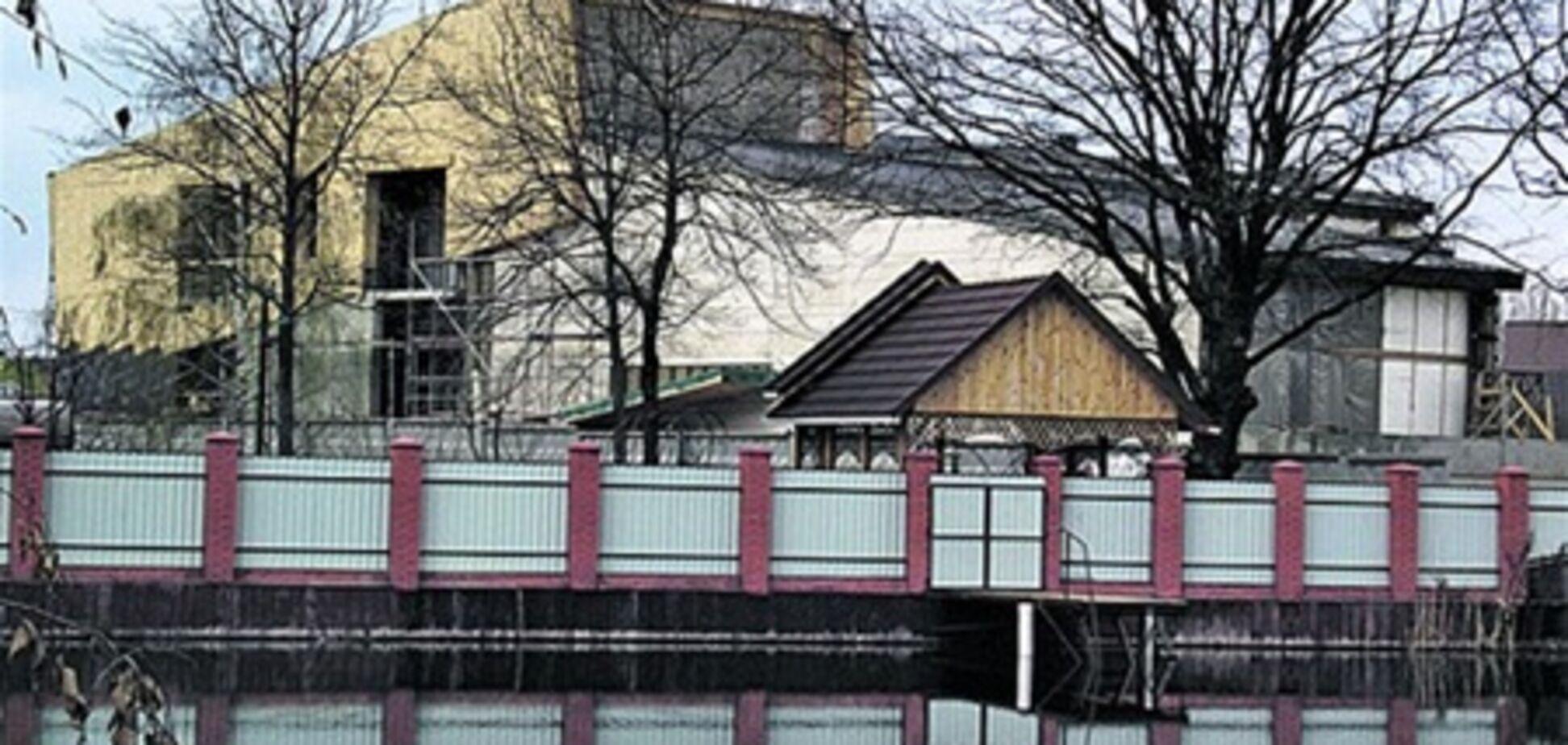 Дочка Черновецького будує палац
