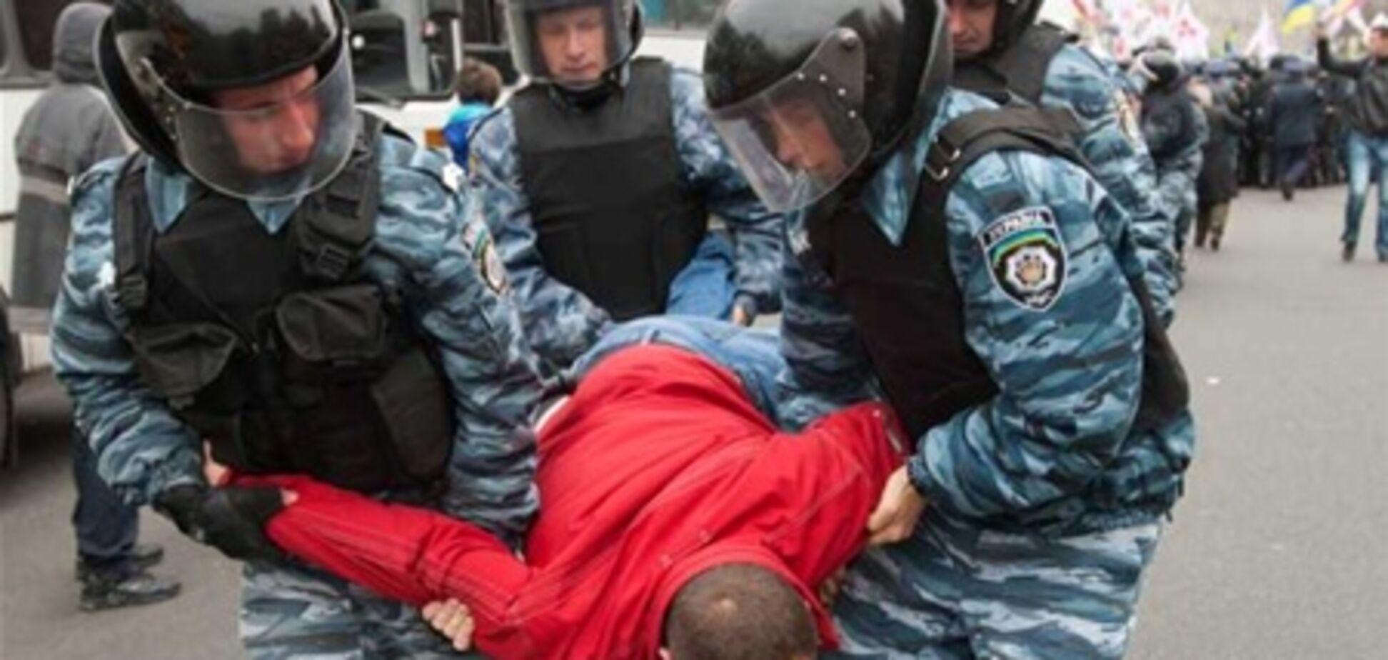 В Донецке во время митинга 'Беркут' избил инвалида
