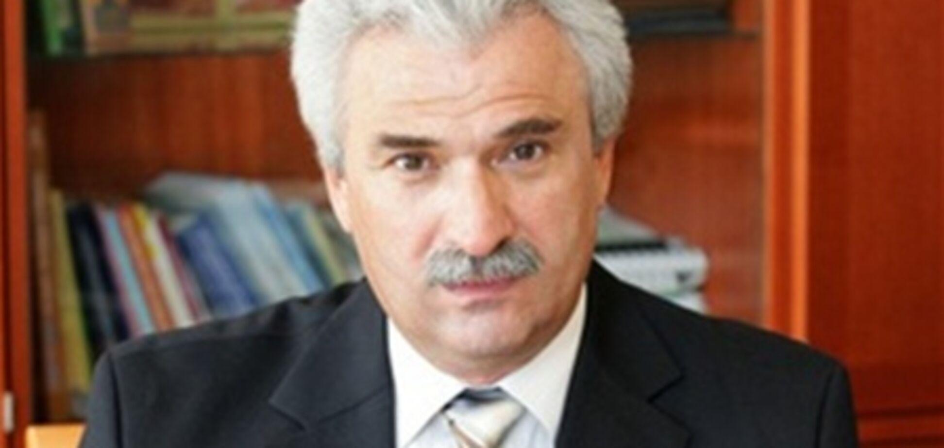Депутат от ПР скончался во время игры в теннис