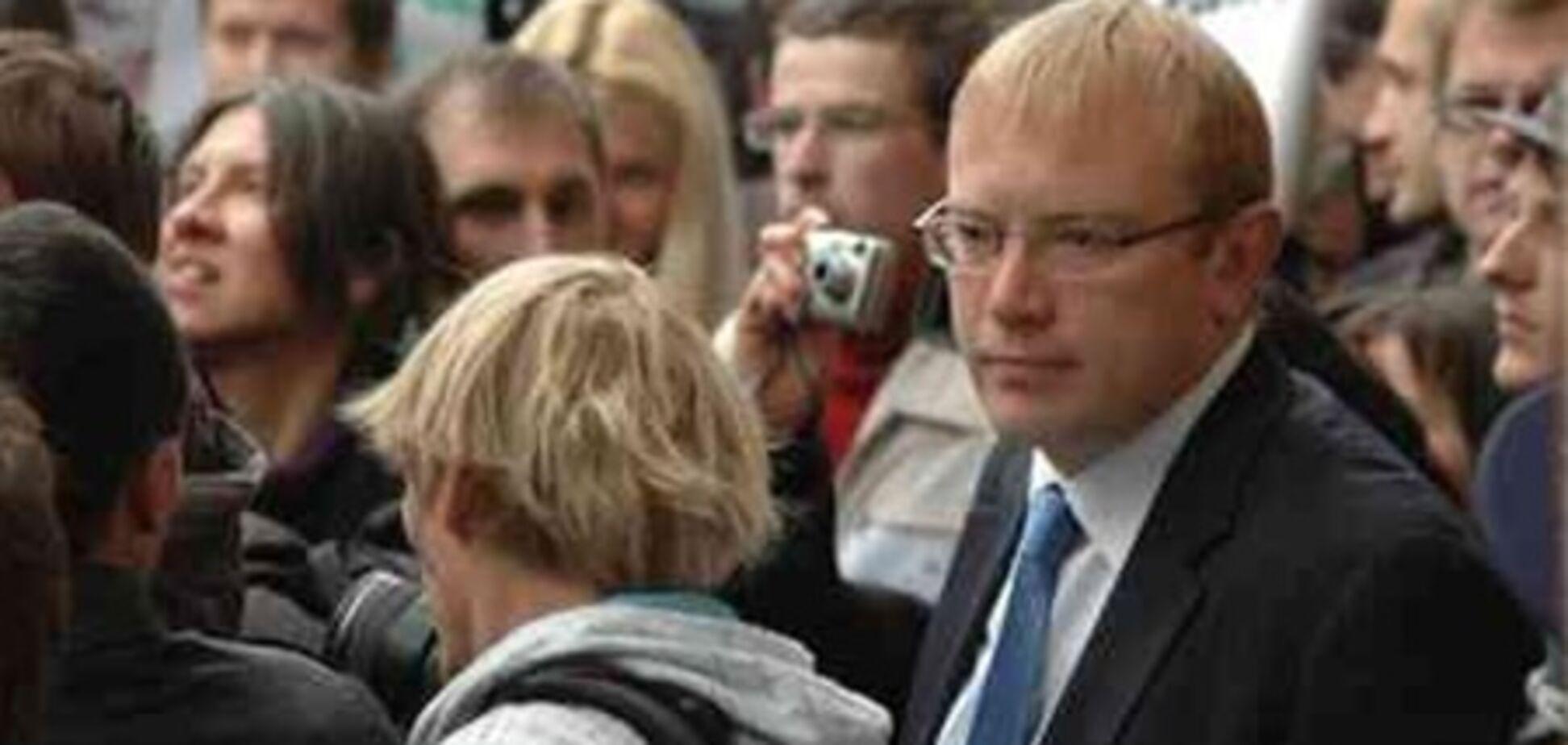 Нардеп Шевченко: «Мы блокируем трибуну до утра!»