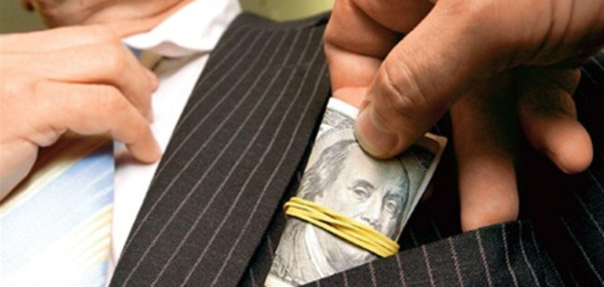У Пшонки назвали самые коррумпированные регионы Украины