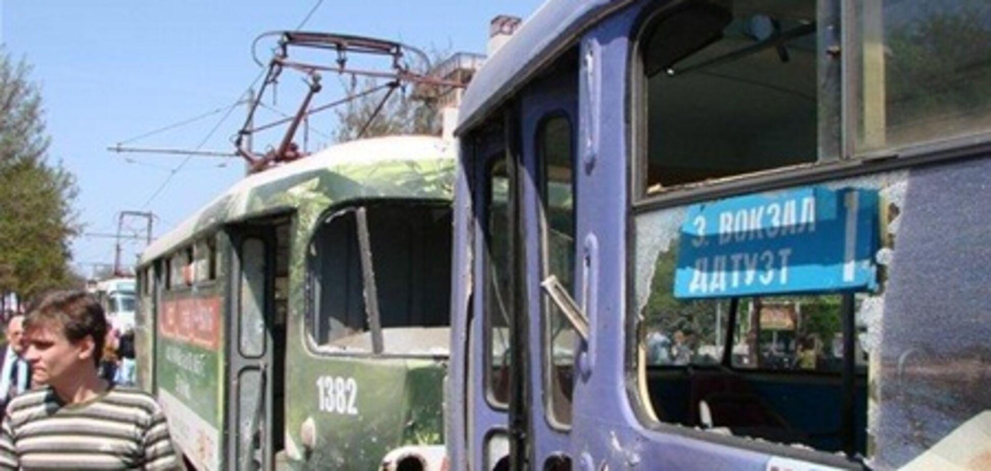 Состояние 4 пострадавших в результате взрывов тяжелое