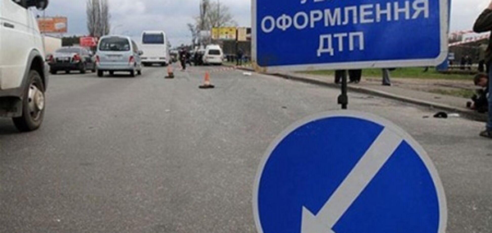 В Крыму рейсовый автобус столкнулся с легковым авто