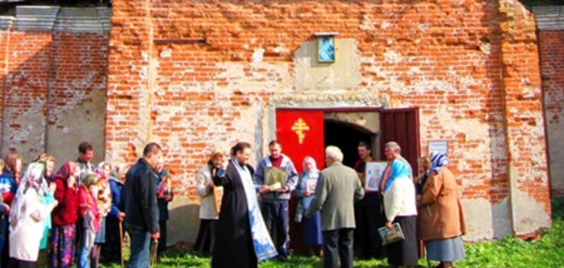 Священник отказался отпеть умершего из-за его долгов перед церковью