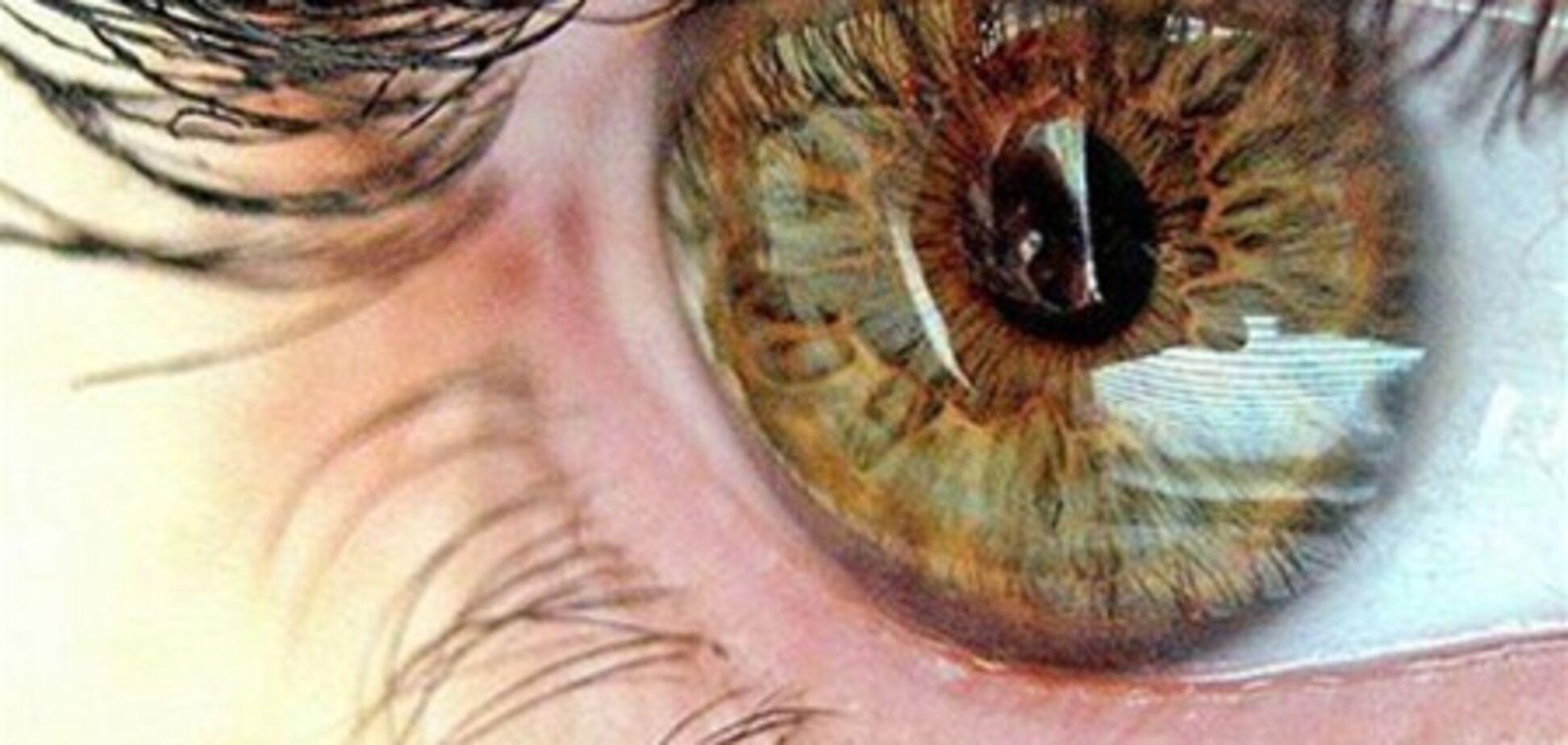 Что делать, если перед глазами мелькают чёрные точки?