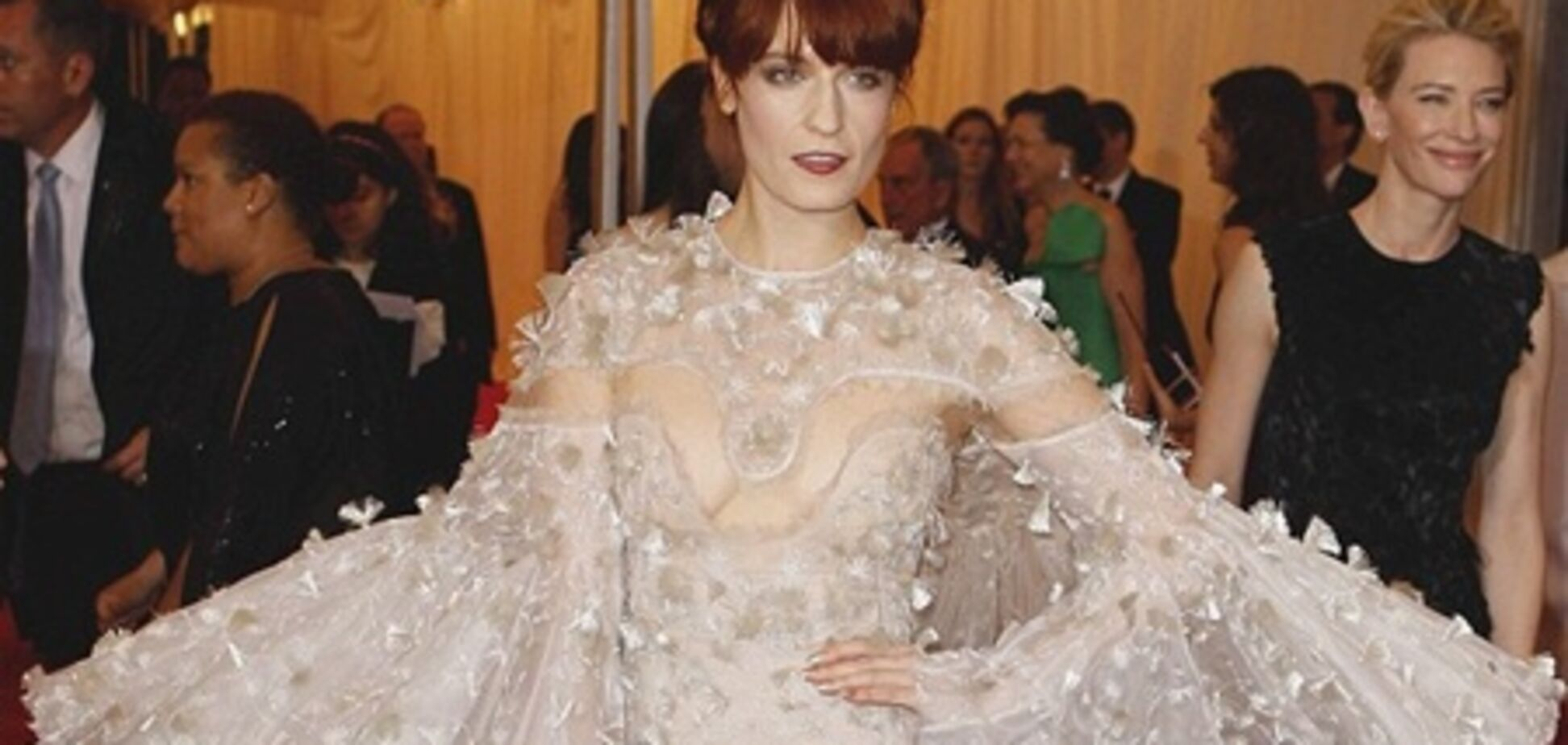 Florence + The Machine клип Breath Of Life. Видео