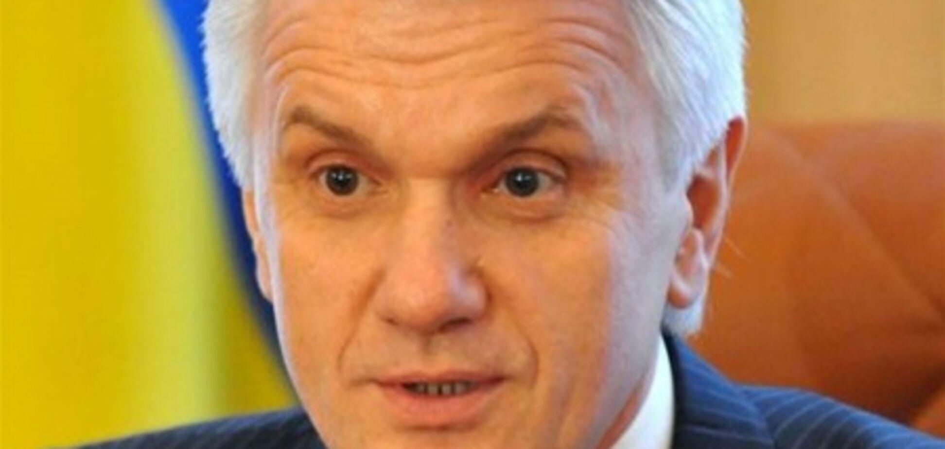 Литвин карьеру начинал в КГБ в должности дворника