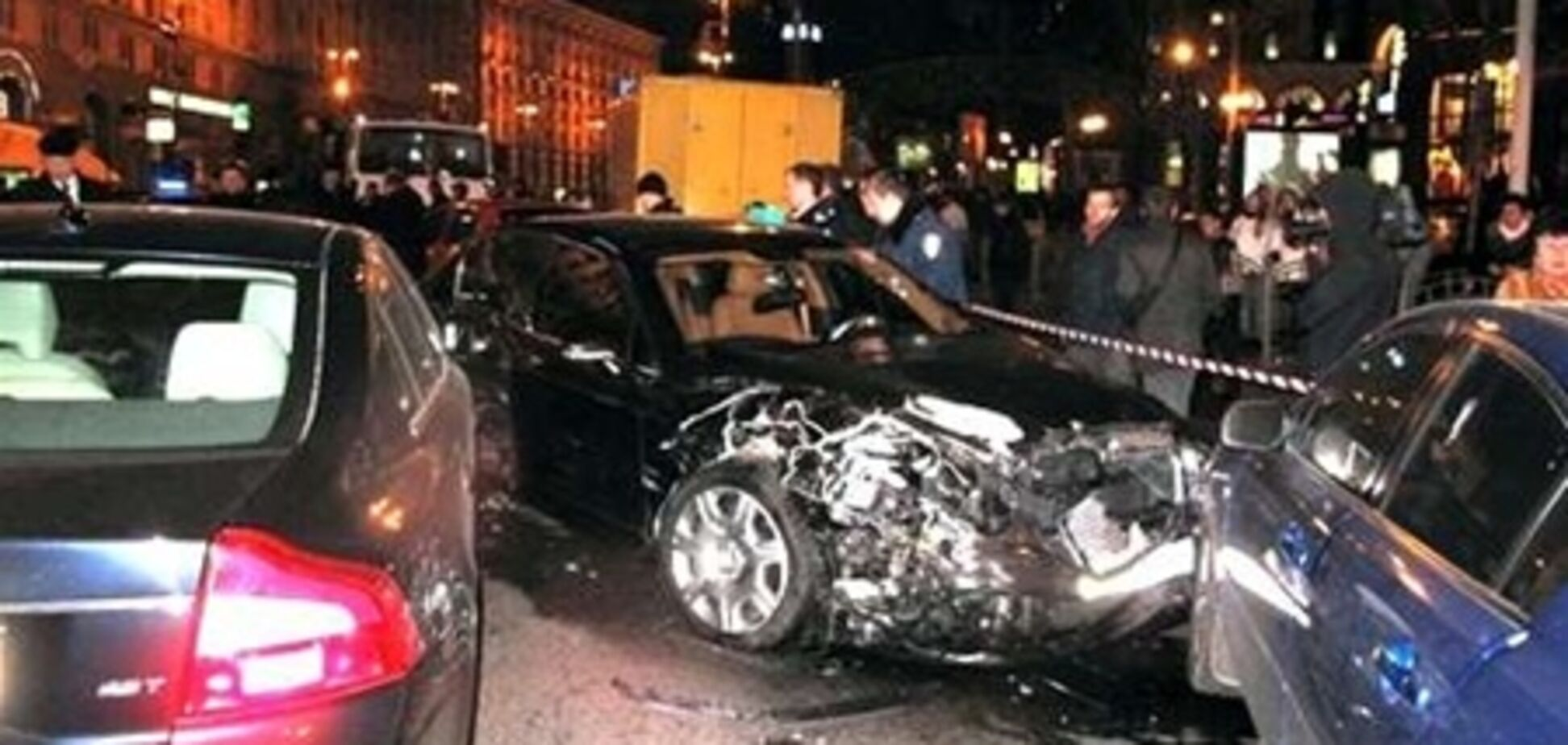 Bentley & Mercedes: багаті теж плачуть