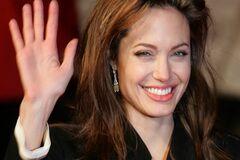 Анджелину Джоли охраняют ротвейлеры
