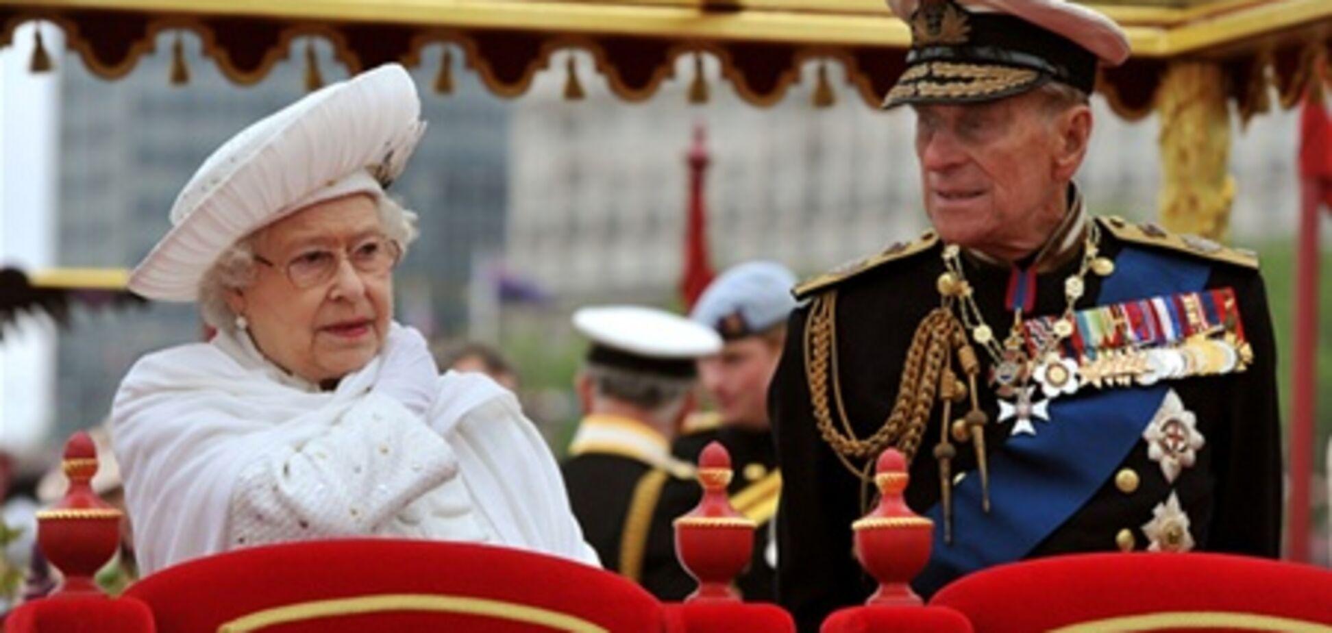На Темзе прошел парад кораблей в честь ЕлизаветыII. Фото