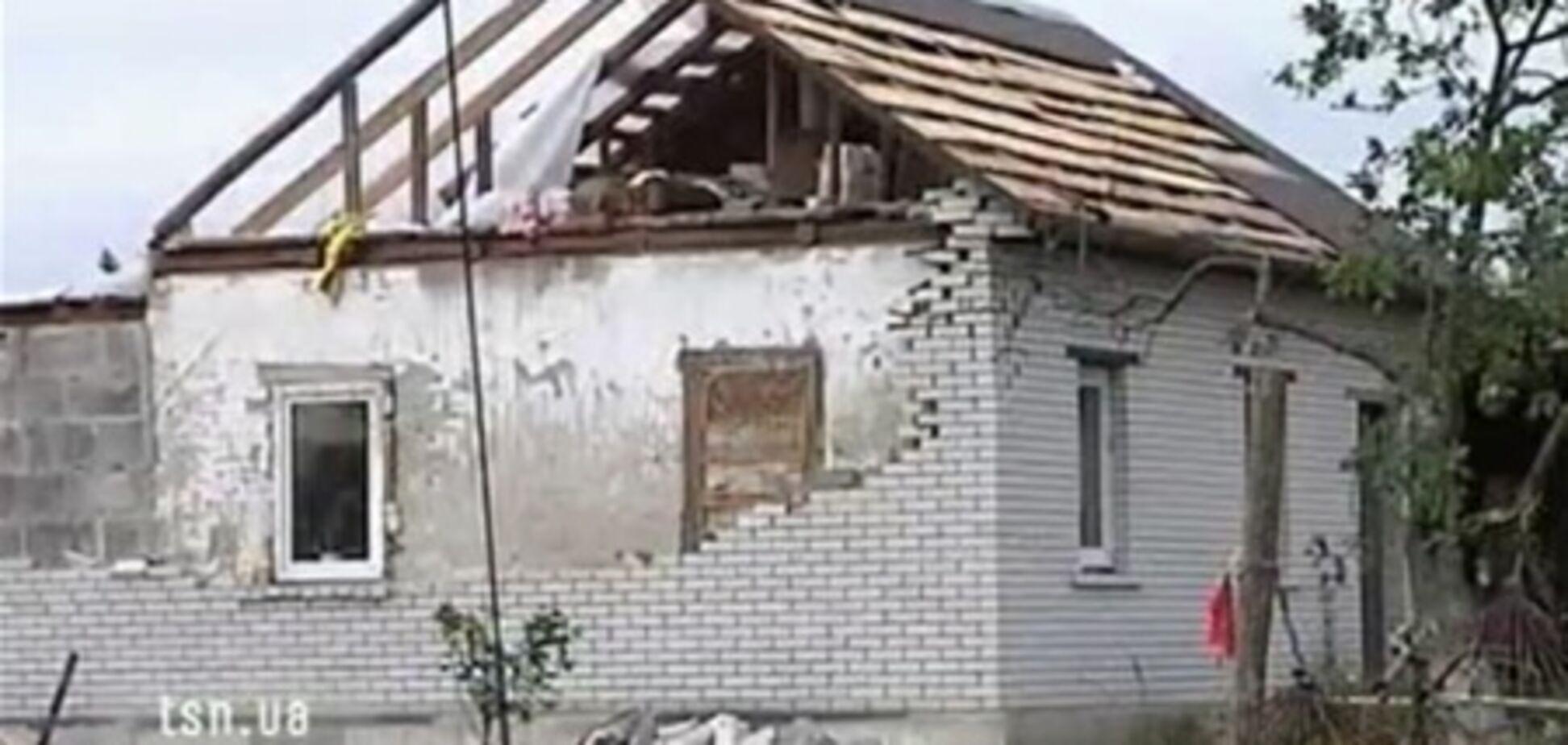 Смерчі на Чернігівщині: у повітрі літали собаки і кури