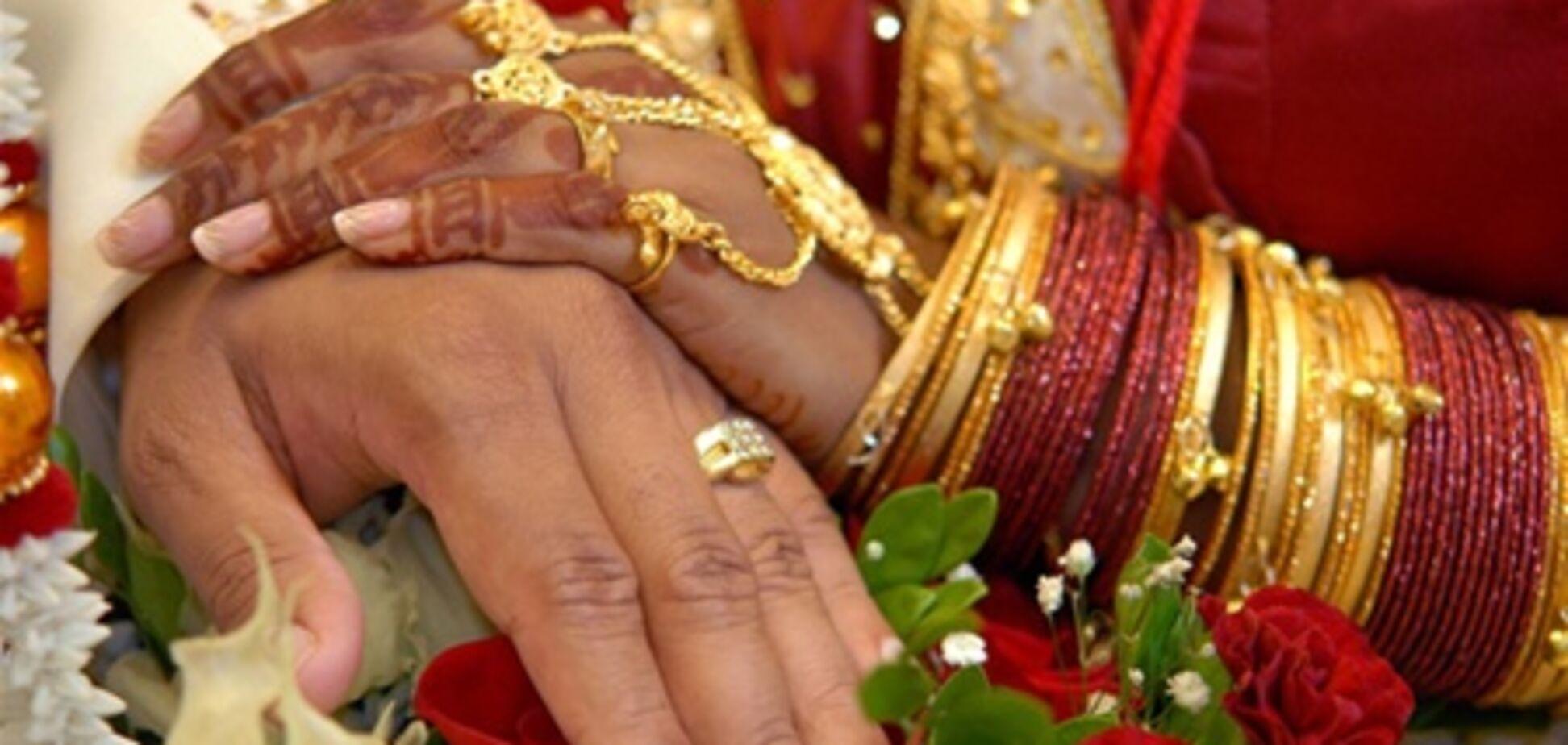 У селі Індії заборонили одружуватися по любові