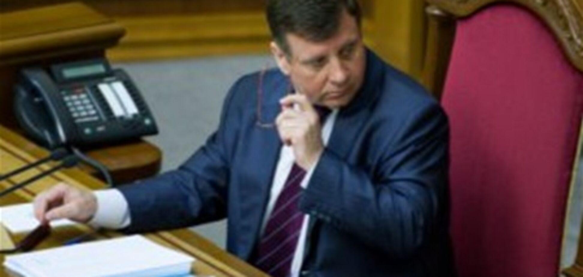 ПР: Мартынюк имеет право подписать языковой закон