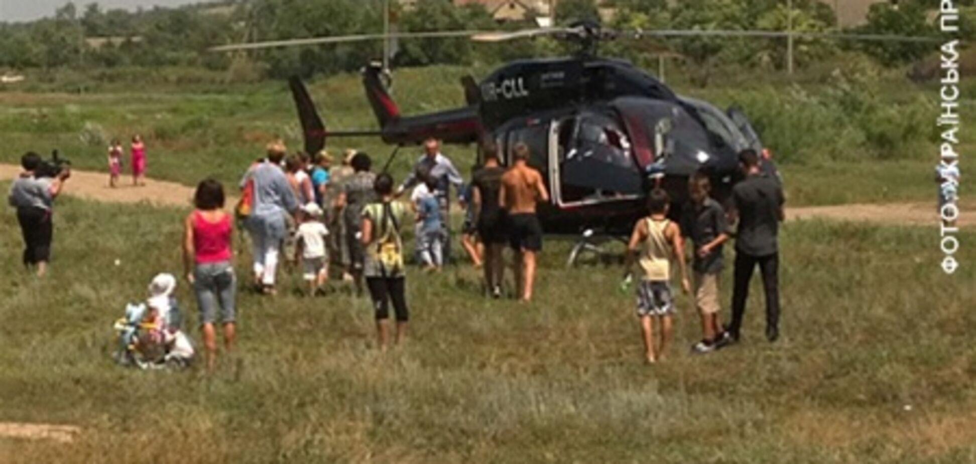 Поганий агітує з вертольота