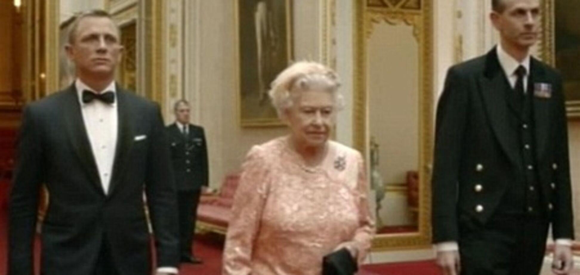 Єлизавета ІІ зіграла дівчину Бонда