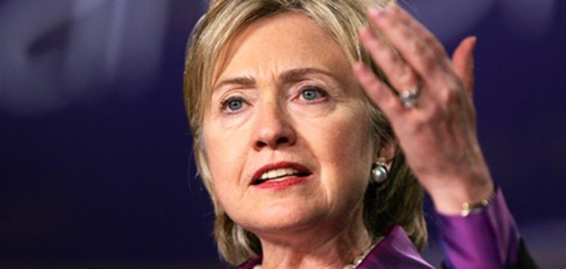 Клинтон допускает возможность применения силы против Сирии