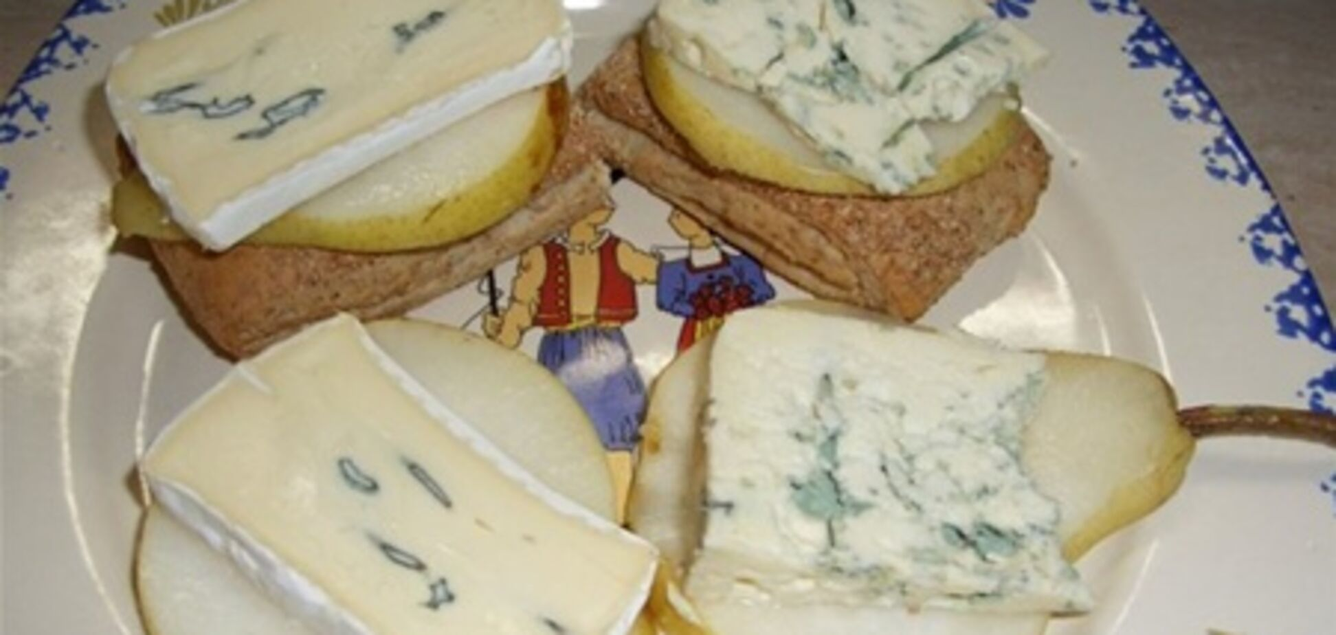 Сыр с грушами