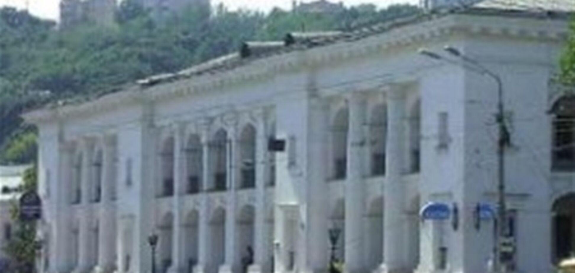 Парламент разрешил приватизацию Гостиного двора в Киеве