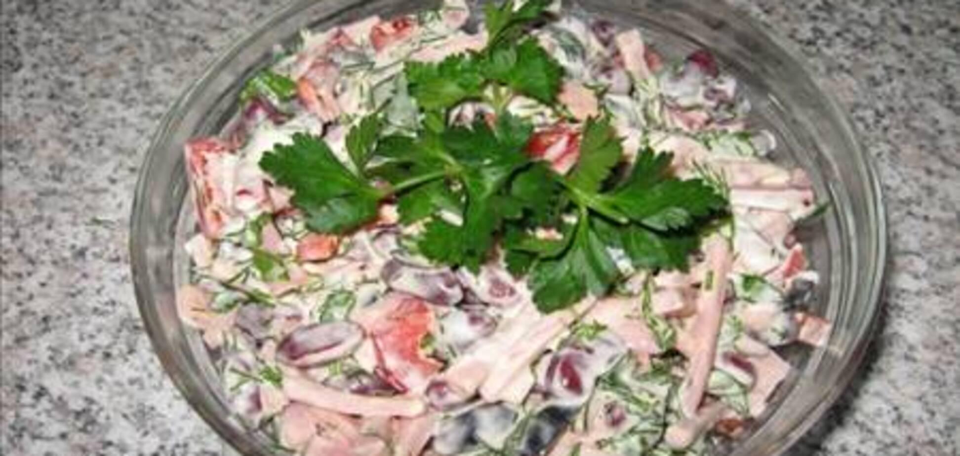 Салат из ветчины и фасоли