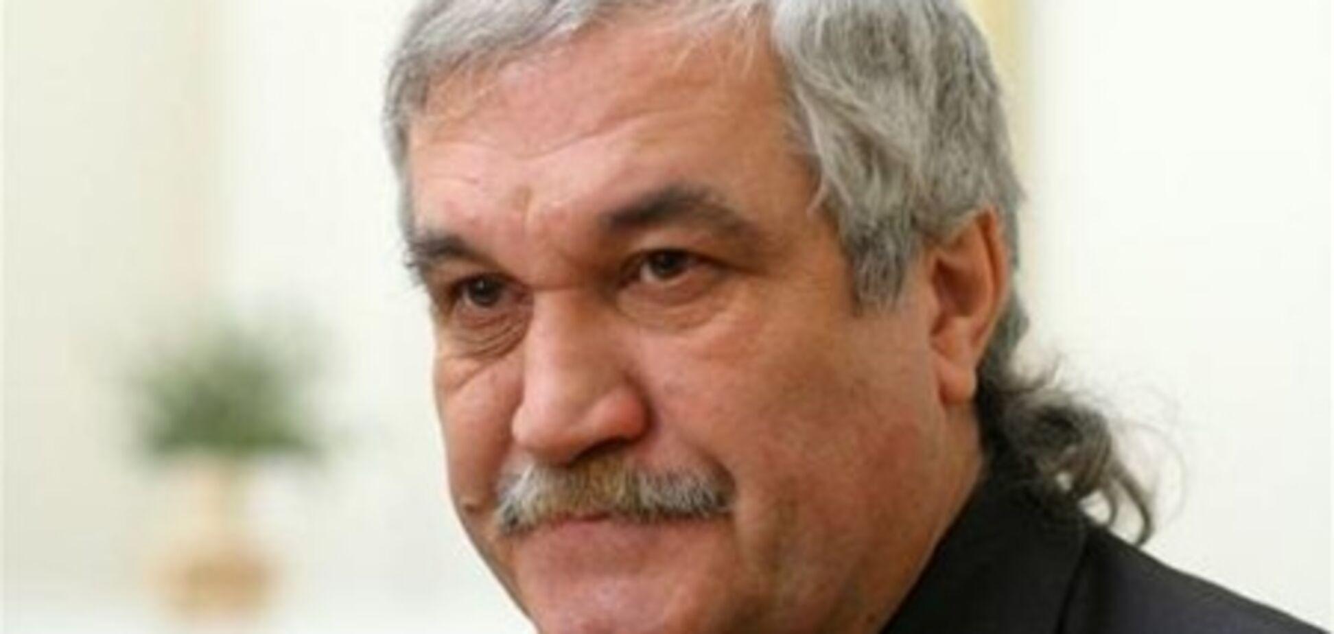 Письменник Шкляр підтримав рішення суду щодо незаконності реєстрації Сацюка