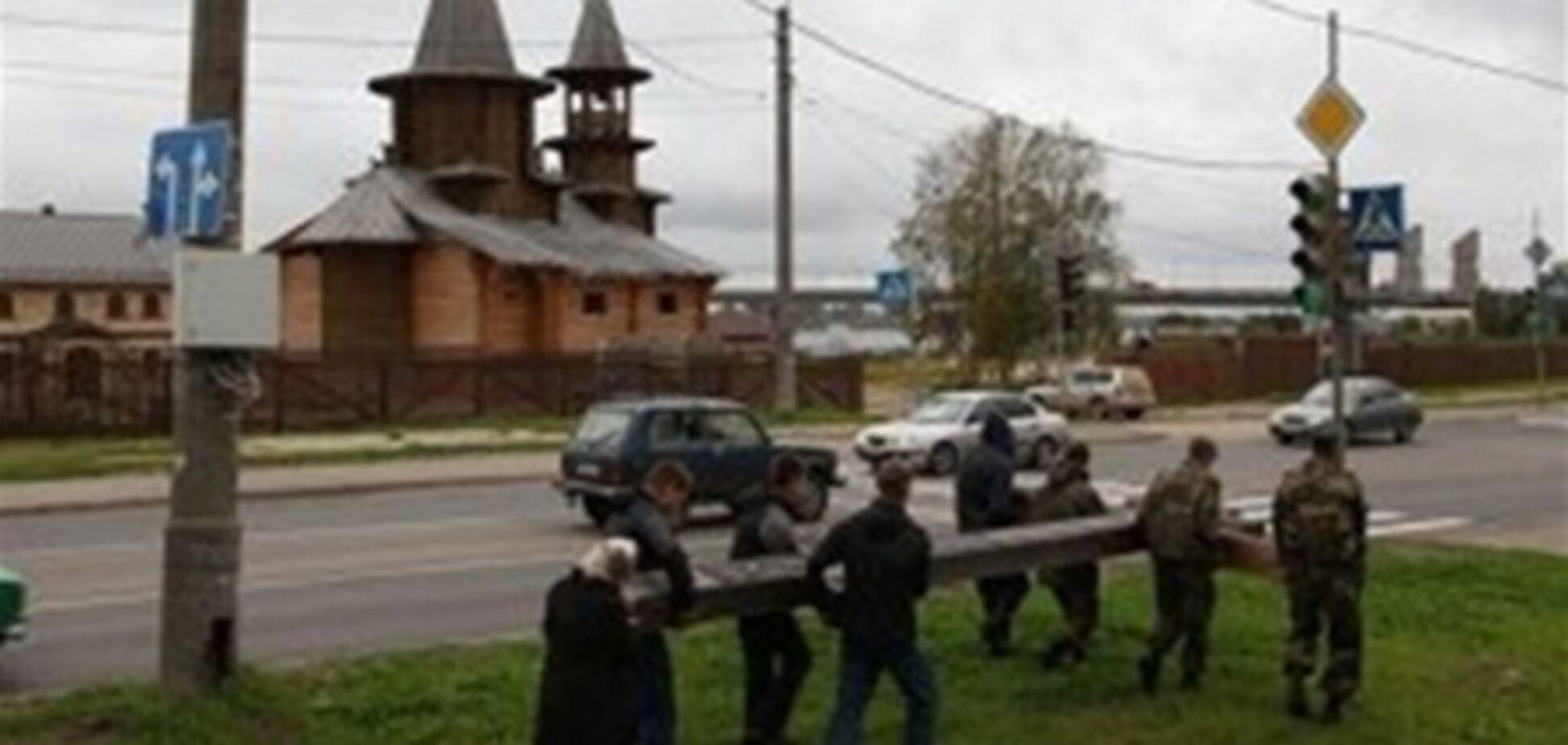 Церковь призывает наказать осквернителей крестов так, чтобы неповадно было
