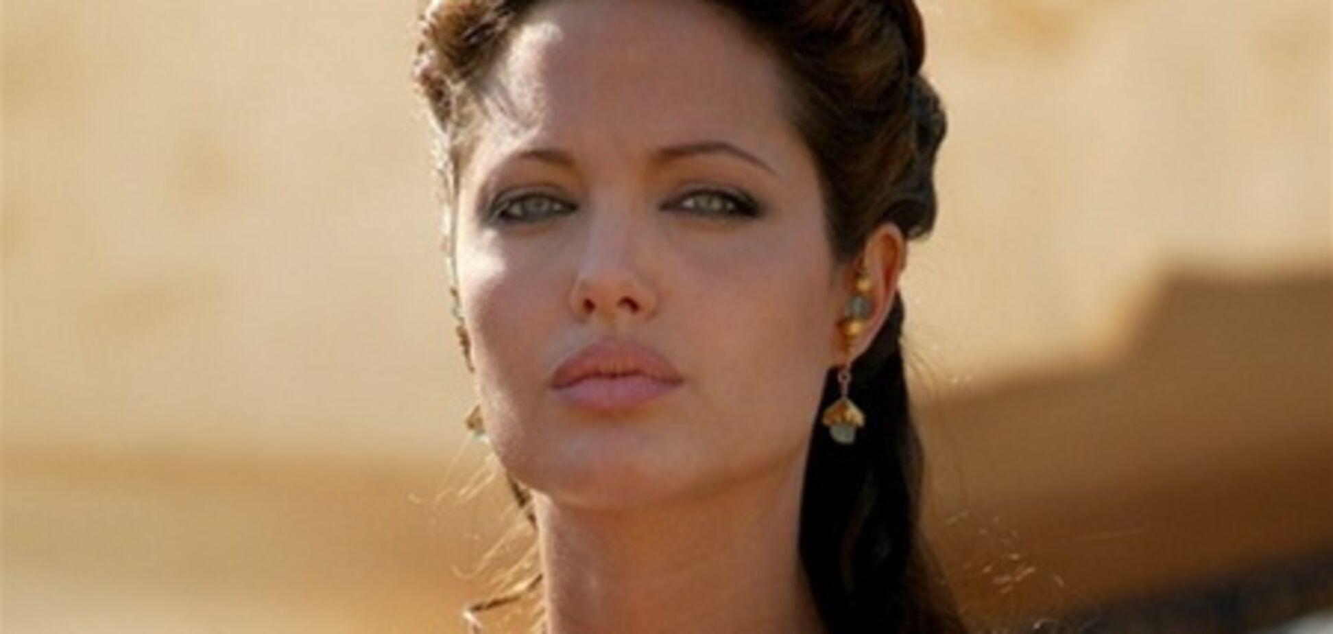 Дэвид Финчер отказался от 'Клеопатры' с Анджелиной Джоли