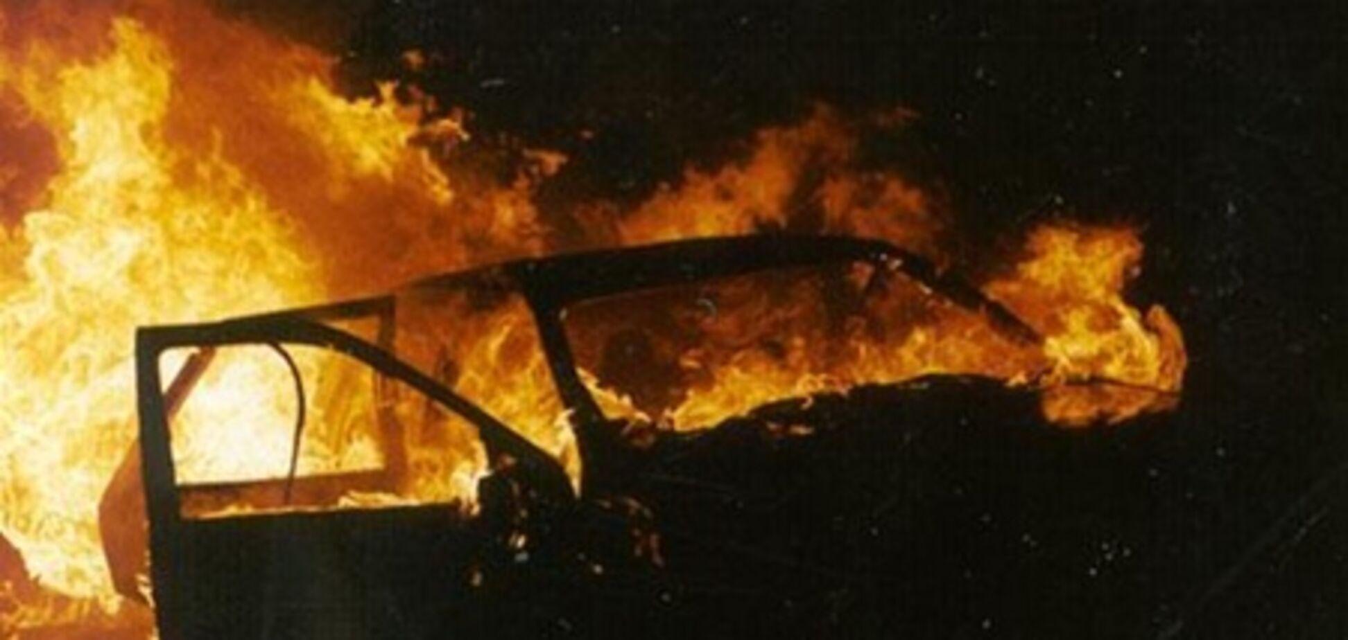 В Харькове сожгли судейский 'Лексус'