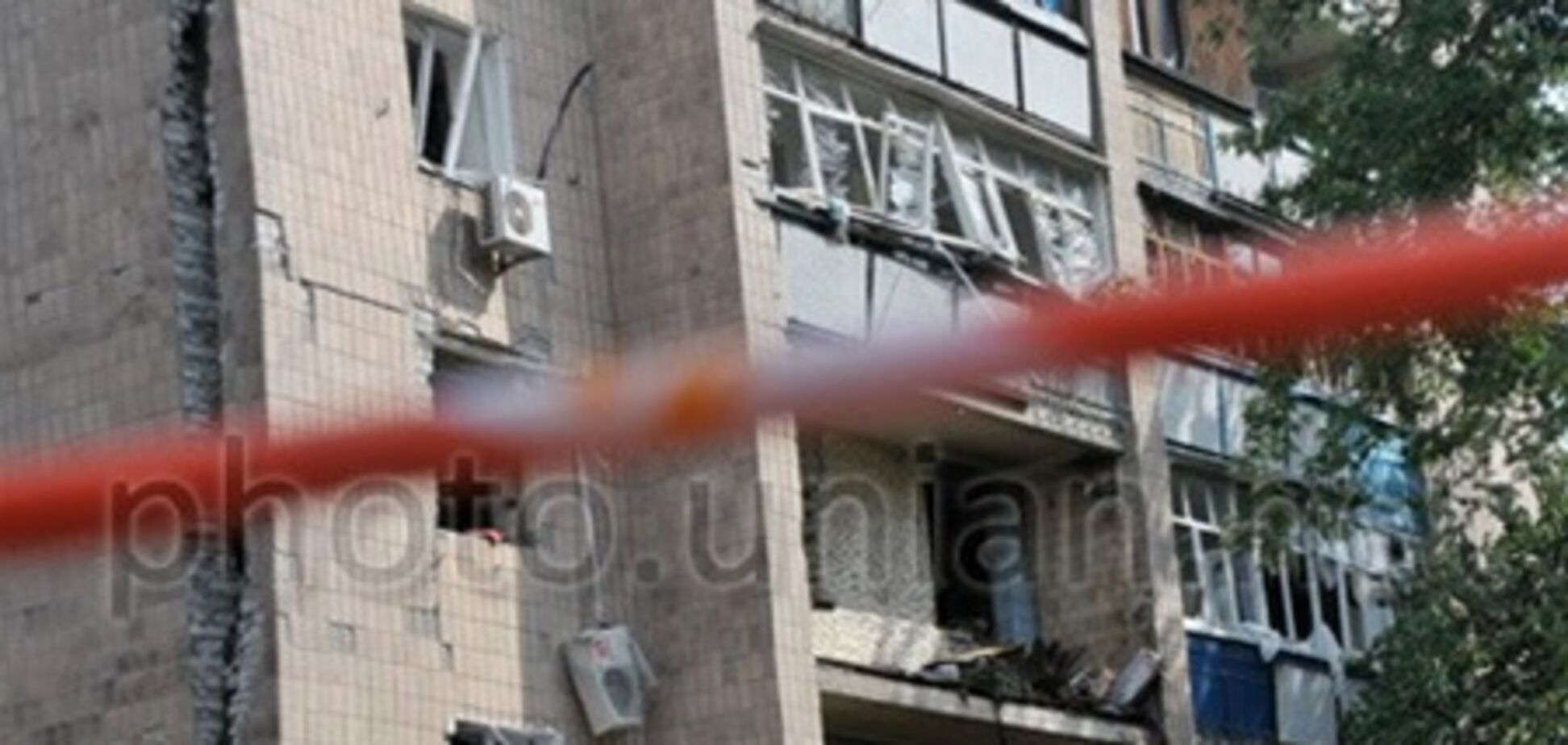 В Харькове начали разбирать поврежденные взрывом стены дома