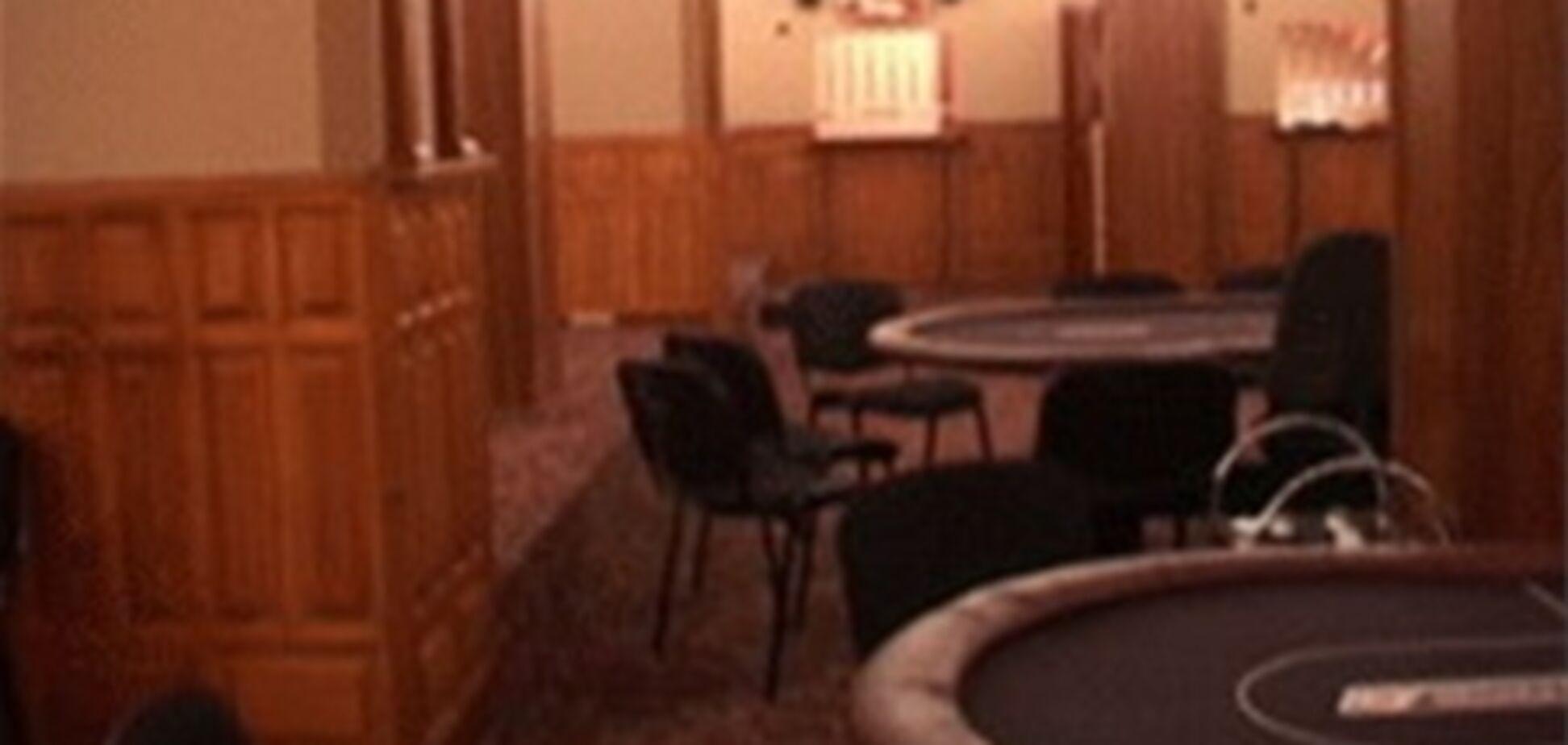 В столице обнаружили покер-клуб
