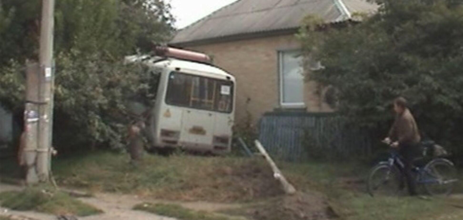 Автобус, протаранивший жилой дом в Черкассах, мог взорваться