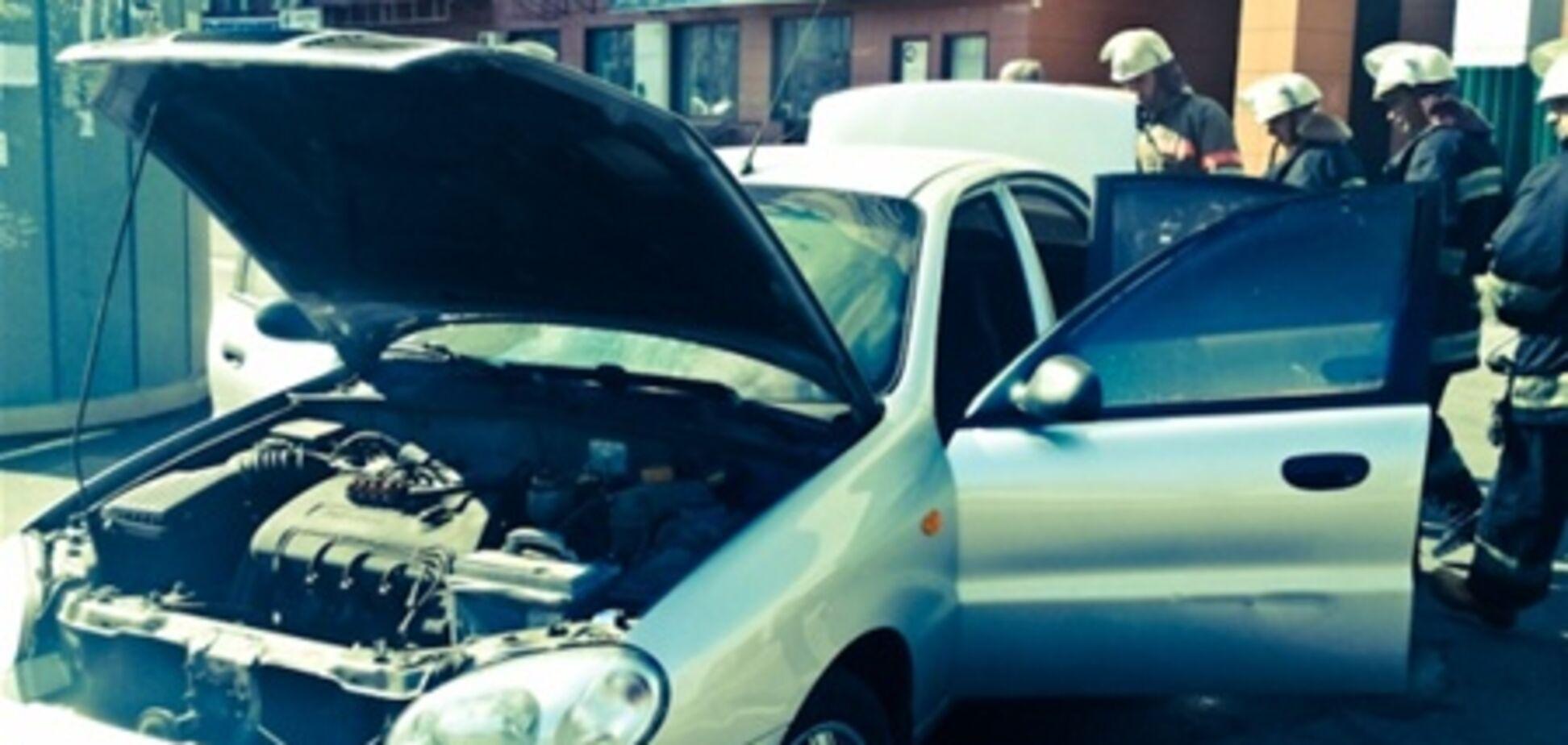В Киеве горели иномарка и 'Москвич'