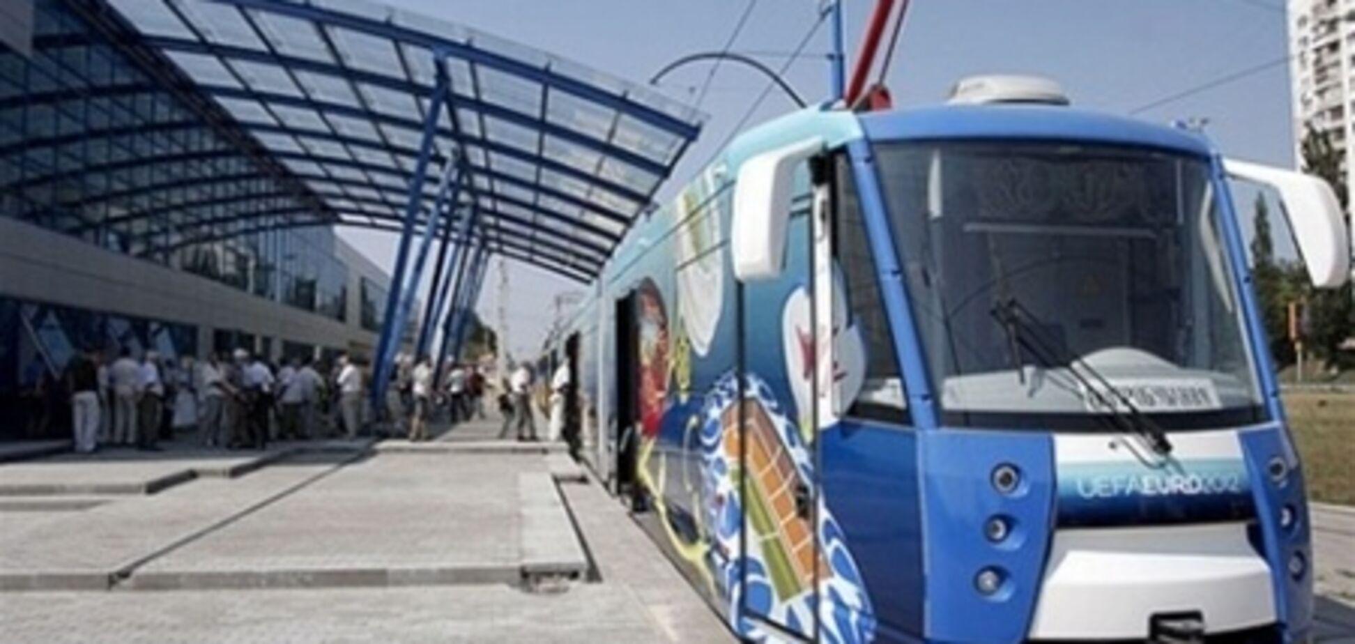 В центре столицы сошел с рельс скоростной трамвай