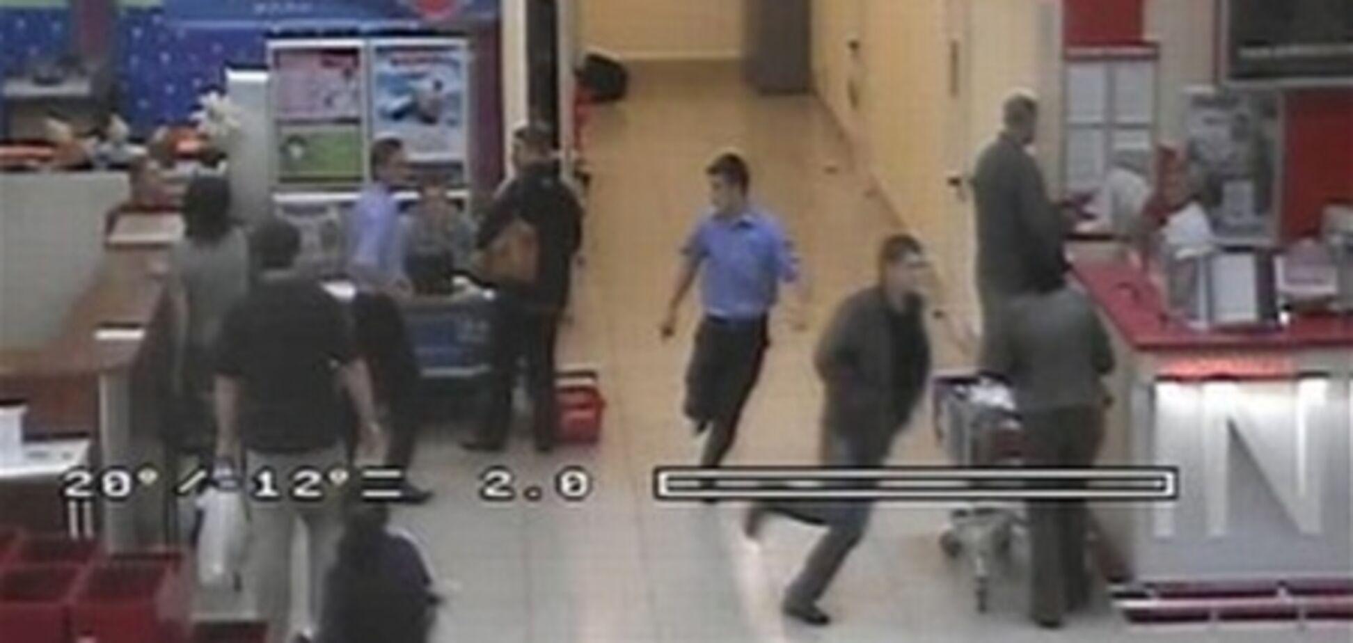 Убийце в 'Караване' не хватило патронов, чтобы добить четвертого охранника