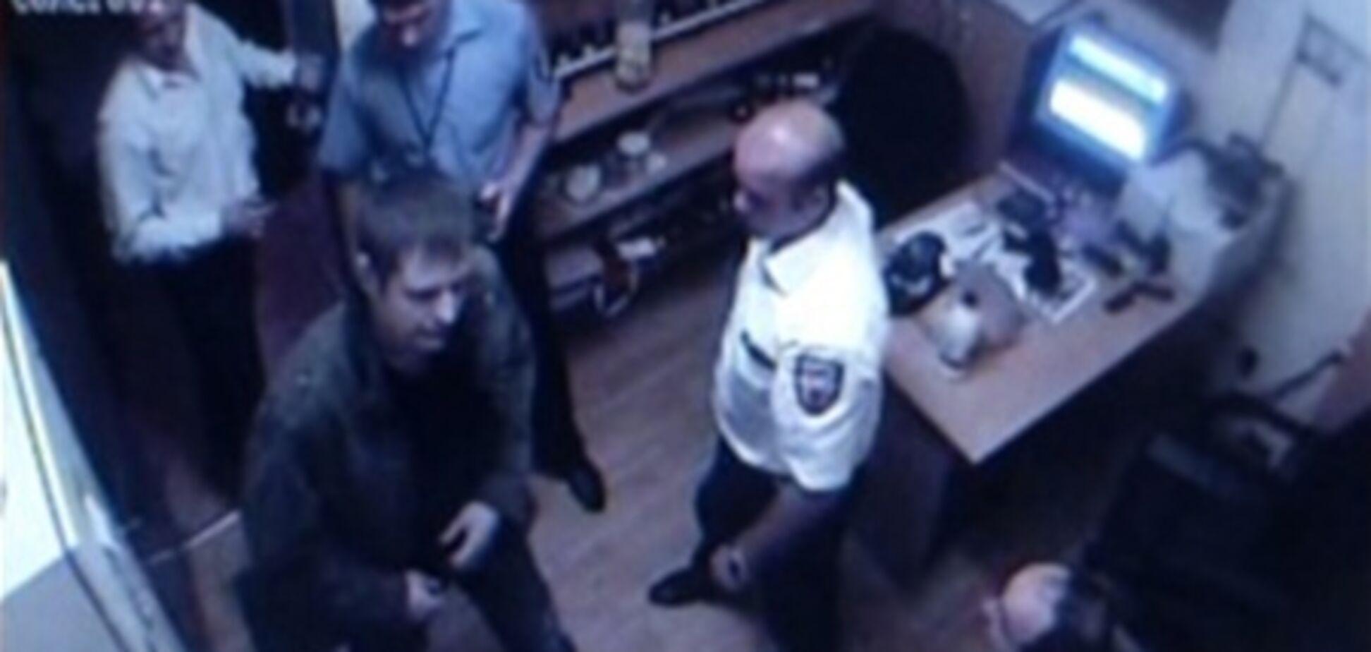 Расстрел в 'Караване': видео из комнаты охраны