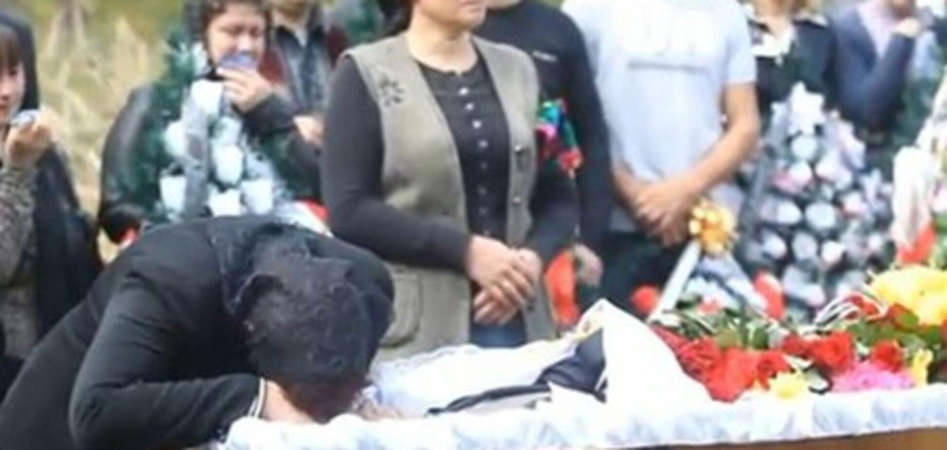Под Киевом похоронили первую жертву стрелка из 'Каравана'