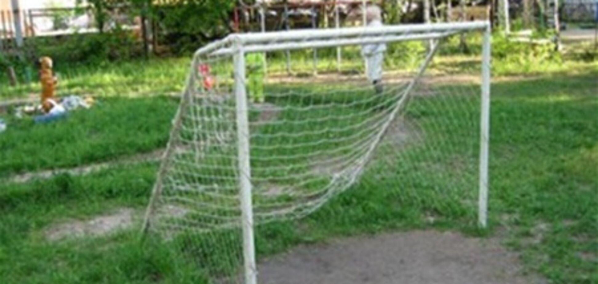 На Полтавщині під час уроку на школяра впали футбольні ворота